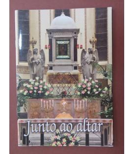 Junto ao Altar